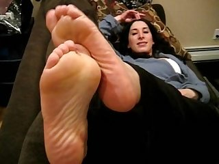 Arabic footjob cumshot