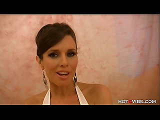 Fit cougar veronica avluv feels playful