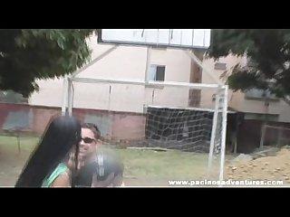 Jovencita tetona haciendo anal
