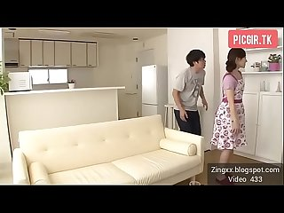 Japanese Mom Seduces Her Daughter's Boyfriend - Full: bit.ly/2khVt09